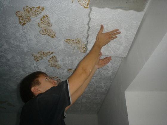 Плитка для потолка из пенопласта - правильная покраска потолочной плитки 5