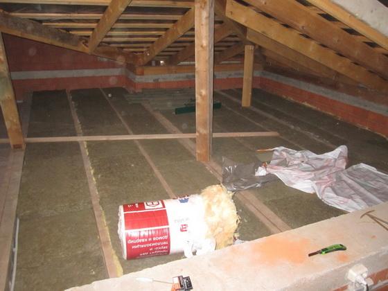Минераловатная теплоизоляция для потолка дома - утепляем потолок минеральной ватой 5