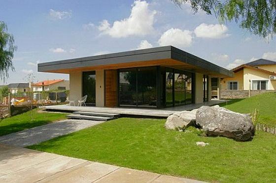 Выбираем проекты деревянных одноэтажных домов с односкатной и двухскатной крышей 2