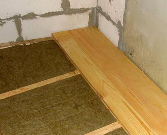 Утеплитель для пола по бетону - правильное утепление пола пенопластом под стяжку 1