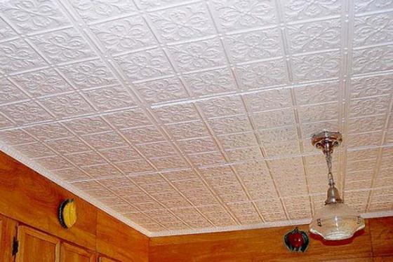 Плитка для потолка из пенопласта - правильная покраска потолочной плитки 1