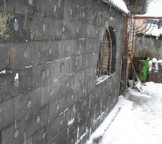 Пеностекло - недостатки утеплителя при утеплении частного дома 3